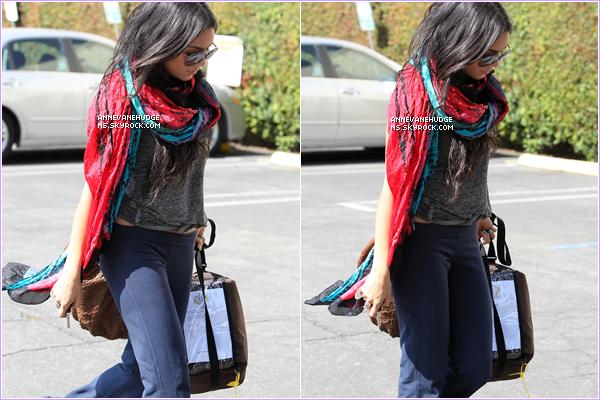 - CANDIDS | Vanessa partant à l'église méthodiste à Hollywood le 28 juillet 2010. (Ceci est un article flash-back)  -