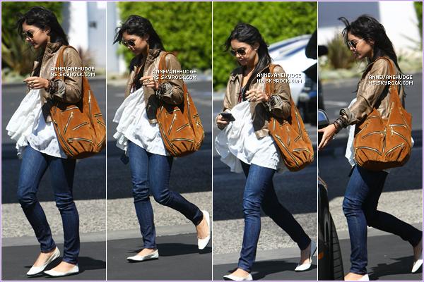 - CANDIDS | Vanessa partant visiter un cabinet d'avocat le 04 août 2009. (Ceci est un article flash-back) -