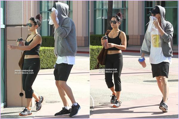 - CANDIDS | Vanessa et Austin, sortant de leurs cours quotidien de sport ce matin à Hollywood le 19 juillet 2012. -