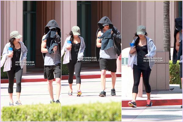 - CANDIDS   Vanessa à était aperçu par les paparazzis quittant un salon de manucure le 25 juillet 2012. CANDIDS   Vanessa et Austin ont était aperçu quittant leur salle de gym (habituelle) le 26 juillet 2012. -
