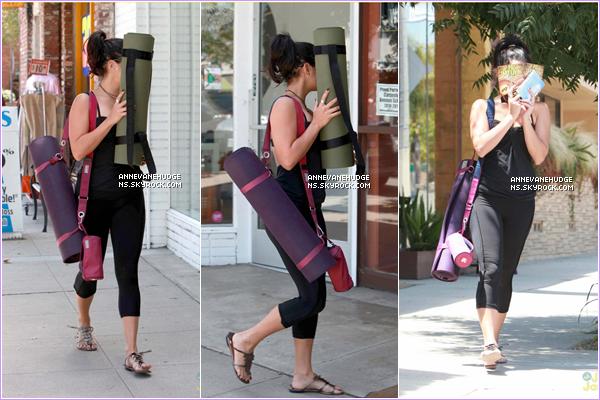 - CANDIDS | Vanessa et Austin Butler quittant leur cours de yoga dans Los Angeles le 03 août 2012.  -