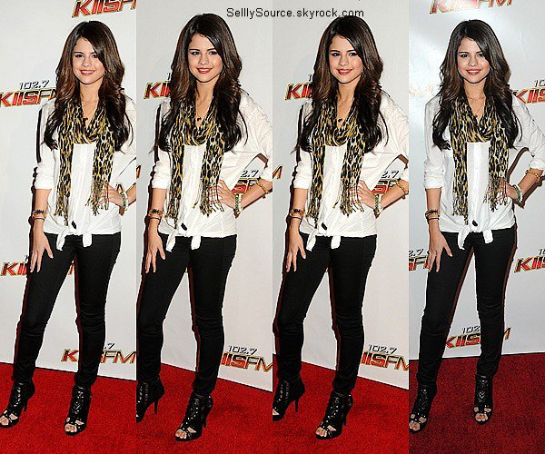 .05/10Selena etait presente a l'évenement Jingle Ball organise par la radio Kiss FM..