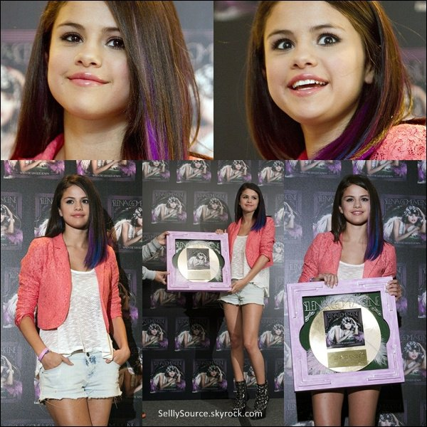 .26/01/12: Sel' donnait une conference de presse a Mexico.