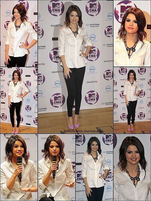 . 5 Novembre: A la veille des MTV Music Europe Awards,Selena donnait une conférence de presse .
