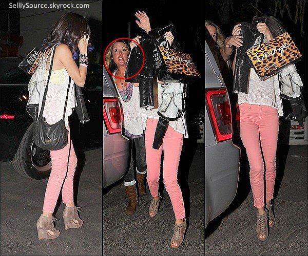 .10/11: Jelena vont dans un resto' a Hollywood.12/01: Jelena quittant un resto' mexicain.14/01:Jelena fesait des courses.15/01:Jelena quittait le maison d'un ami.
