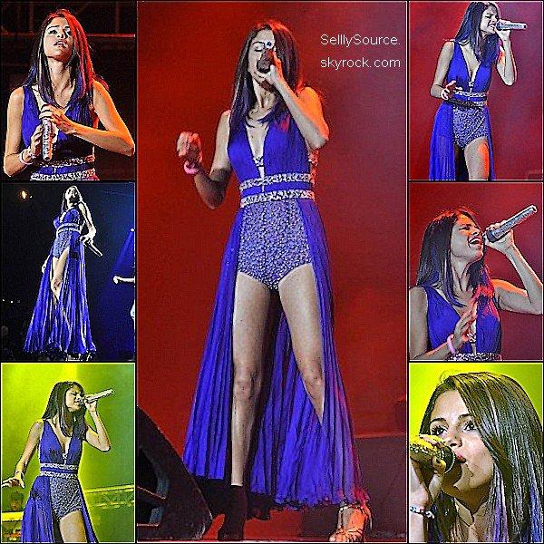 .30/01:Sel' donnait une conférence de presse, puis le lendemain elle y donnait un concert.