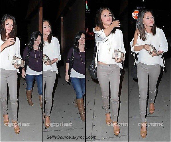 .22/02: Selly & Ashley Cook ,allèrent dîne a un restaurant..22/02: Nous retrouvion, plus tard, Selly dans Los Angeles.