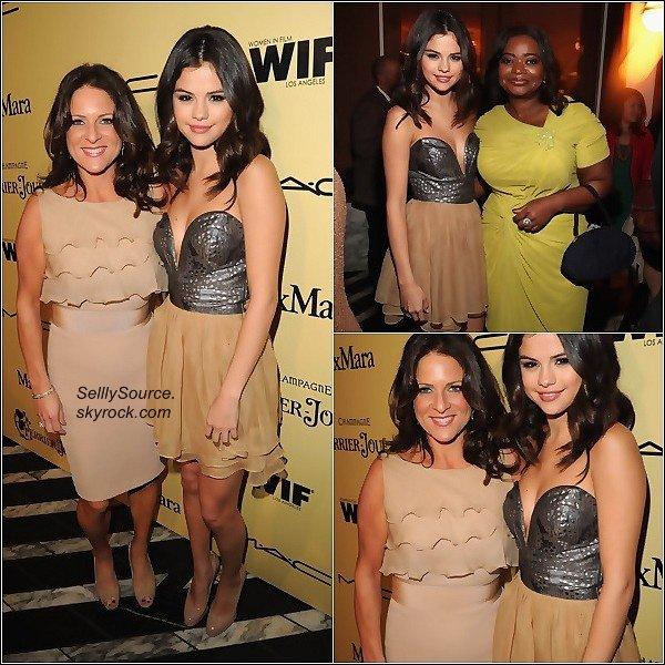 .24/02/12 : Selena était à la 5ème cérémonie des « Women In Film Pre-Oscar Cocktail Party ».. Mon avis: C'ets un GROOS TROP pour Selly.