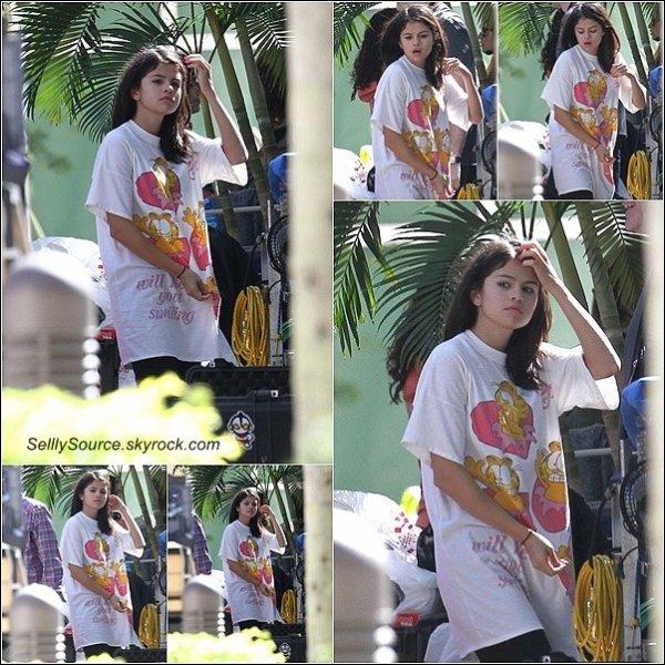 """.  5 Mars 2012: Sel' est sur le Set de son nouveau film """"Spring Breakers""""."""