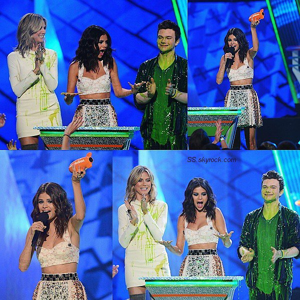 .31 Mars 2012: Sel' était au Kid's Choice Awards .Elle gagna deux pris : « Favorite Female Singer »&« Favorite TV Actress ».  .