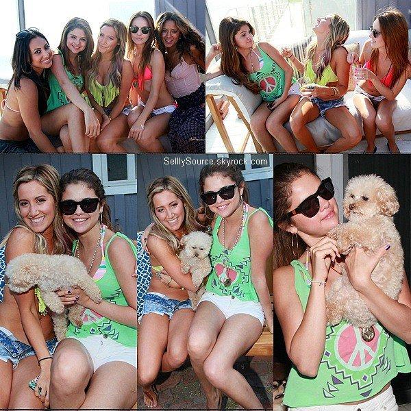 .02.07.2012 : Selena s'est rendu sur la plage de Malibu, pour fêté l'anniversaire de Ashley Tisdale..