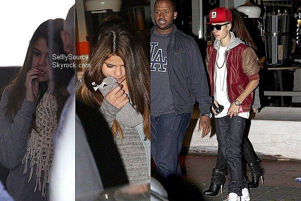 .15.07.2012: Selena & Justin arrivèrent à leur hôtel à Melbourne,Australie..