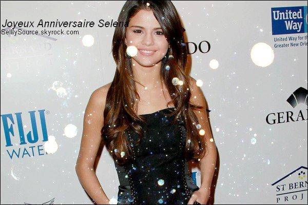 . En ce 22 Juillet 2012, Nous shoutaitons un bonne anniversaire à Selena. .