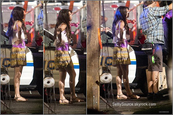 """.15.08.2012 : Selena été toujours sur le tournage de """"Feed The Dogs"""". *désolé pour cet qualité.."""