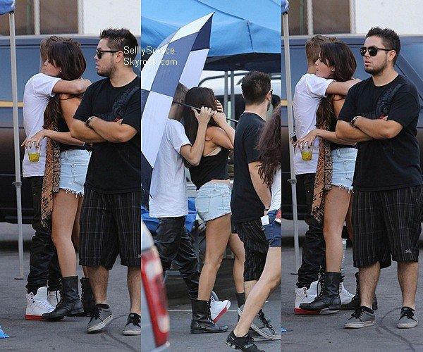 .28.08.2012: Selena es toujours sur le tournage de son film, à LA..