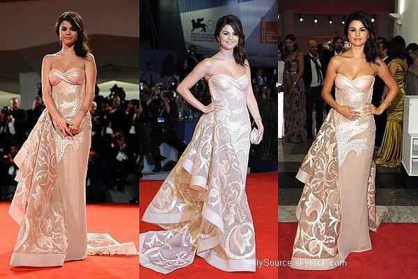 .05.09.2012 : Selena était à l'avant-première de SB,à Venise..
