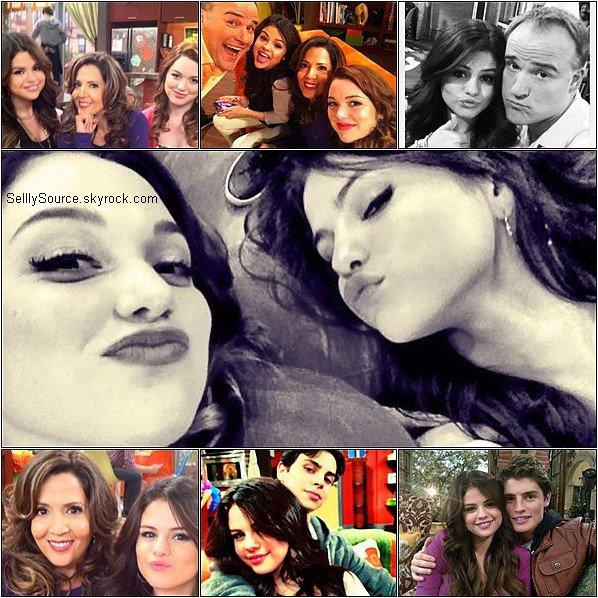 """.Découvre quelques scans de Selena du magazine """"Glamour"""" du mois de Décembre.."""
