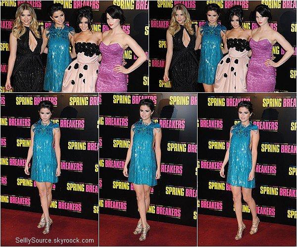 .GROS RATTRAPAGE DES EVENTS (part.1) !. 18 Février 2013 : Selena était à l'avant première de son film  Spring Breakers avec le cast,à Paris.