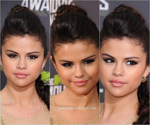 .GROS RATTRAPAGE DES EVENTS (part.2) ! . 9.04.2013 : Selena à été vu à une fashion week à Londres..