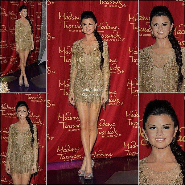 .Selena à désormais sa statut de cire,qui est exposé au célèbre Musée Madame Tassauds de New York.