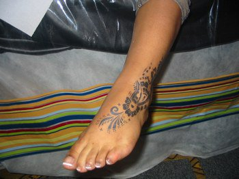 Une french au pieds avec tatouage éphémère oriental !!!