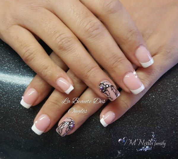 French blanche, Nail Art fait main