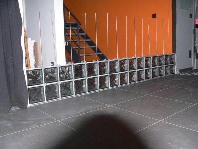 mur de briques de verre qu 39 est ce qu 39 on est bien dedans. Black Bedroom Furniture Sets. Home Design Ideas