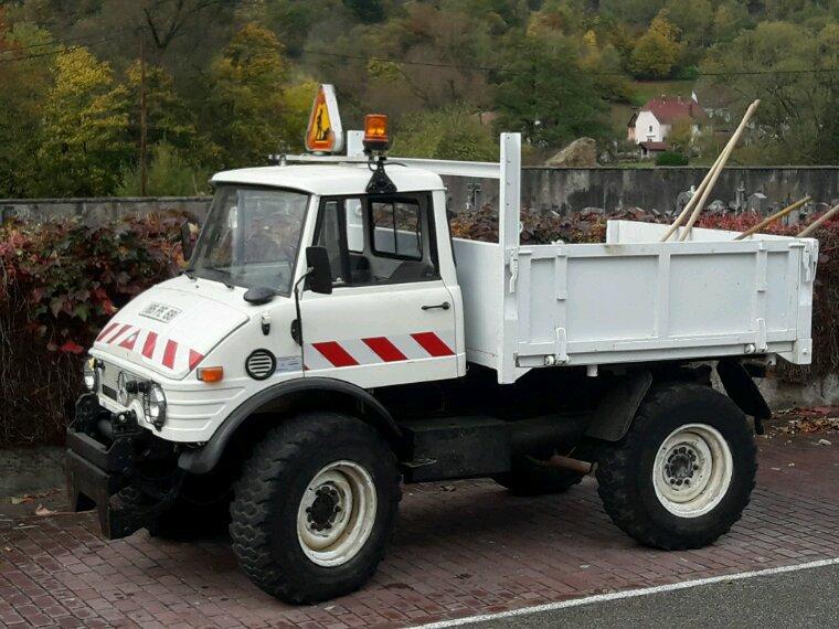 Unimog 406 ( vu sur la route )