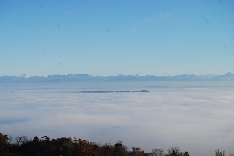 mer de brouillard sur le lac