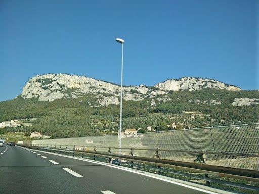 Sur l'autoroute en Italie