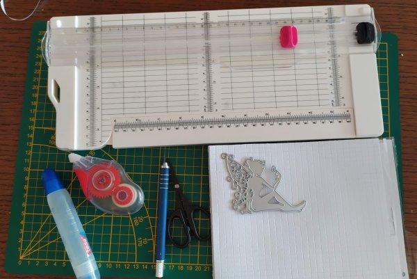 matériel pour confection de cartes