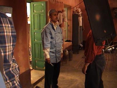 film tiss de mains et d 39 toffe sign omar chraibi homme de theatre. Black Bedroom Furniture Sets. Home Design Ideas