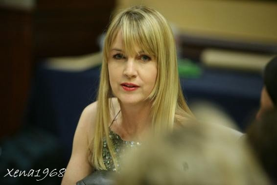 QUELQUES  PHOTOS  DE  RENEE  O' CONNOR  A  LA  CONVENTION  DE  XENA  DE  2011