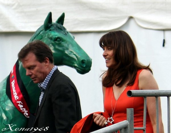 BARFOOT AND THOMPSON TWILIGHT SUMMER SERIES, ELLERSLIE RACECOURSE, LUCY LAWLESS ET ROB TAPERT
