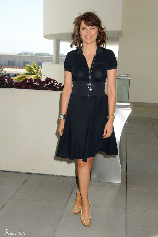 LUCY LAWLESS, COMIC CON DAY 2 AT THE HILTON SAN DIEGO BAYFRONT HOTEL 22-07-2011