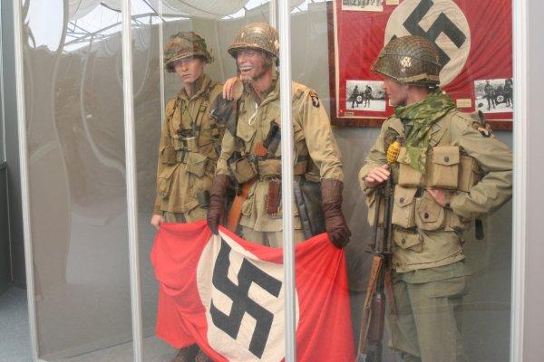 Normandie 2014. Dead's Man Corner Exposition - 4 -