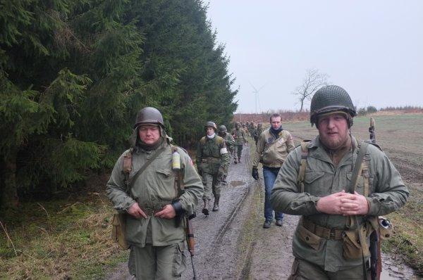 Houmont : Marche de la 17th US Airborne Division (5)