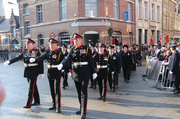 Cérémonies du 11 novembre : Ypres : Porte de Menin - 4 -