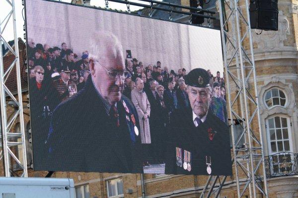 Cérémonies du 11 novembre : Ypres : Porte de Menin - 16 -