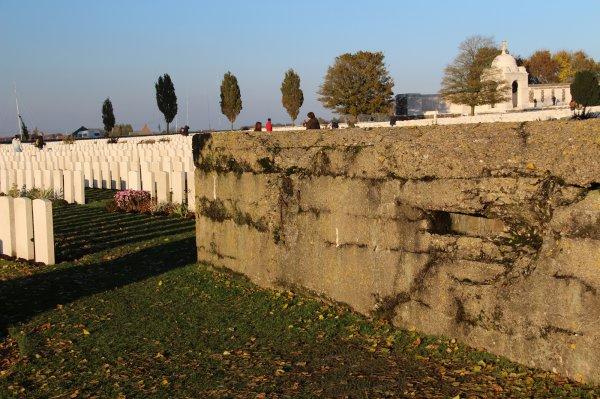 Cérémonies du 11 novembre :Tyne Cote  - 2 -