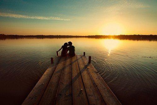 '' On avait comme projet de passer toute notre vie ensemble, de vieillir ensemble, de finir comme deux petits vieux dans un hospice, à tricher au Scrabble et à se disputer pour changer de chaîne à la télé. Pas spécialement vieillir ensemble en étant un couple, non, même en étant séparé, en se haïssant, en se détestant, en se chamaillant, en se déchirant. Juste passer toute notre vie ensemble, ne jamais se perdre et se connaître par c½ur. ''