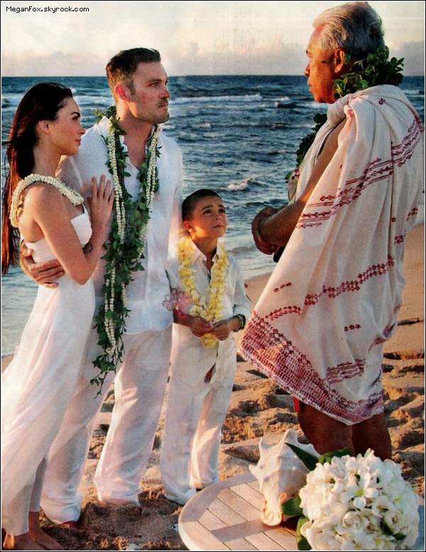 88 Retour en arrière : Le 24 juin 2010 le jour où Megan a dit oui à Brian Austin Green au beau milieu d'une plage Hawaïenne .  88