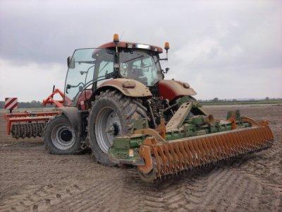 Case IH Puma cvx 165 (préparation du sol pour le semis)