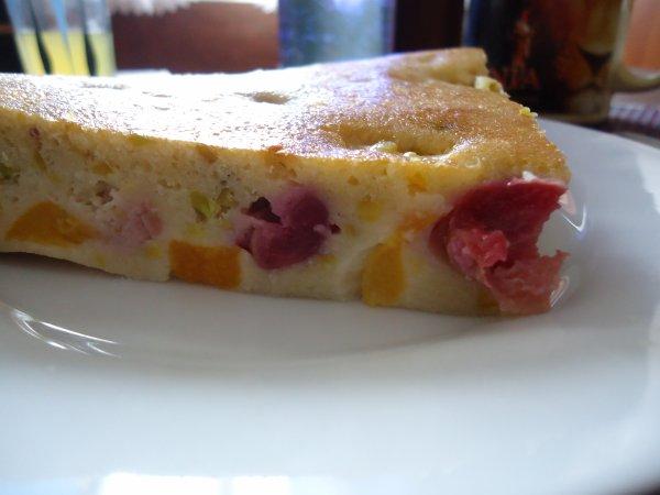 CLAFOUTIS CERISES et PÊCHES (amandes et pistaches)