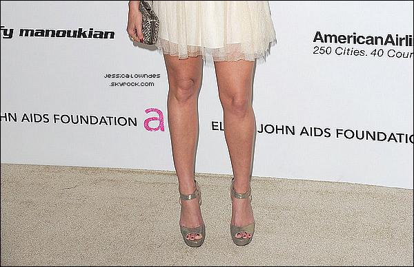 26/02/11: Jessica a participé à la Rolling Stone Prix du week-end à Hollywood Bash Drai, en Californie. Comme on peut le voir, Jess' avait posé avec Mark Salling et Matt Lanter !  27/02/11 : J. ' était au Oscar de la XIXème édition du Elton John AIDS Foundation dans West Hollywood.