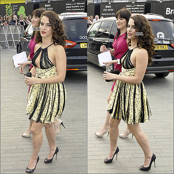 . Mercredi 11 Mai : Jessica était au National Movie Awards 2011 à Londres . Jessica est superbe , magnifique enfin tout les compliments vont avec , sa robe est un p'tit flop , mais le make-up un + ! . Lundi 9 Mai : Jessica & été vu le soir retournant dans son hotel à Londres ..