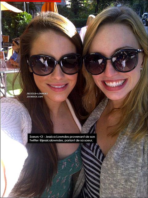 . Jess' qui a visiblement pris du poids, et une copine ont été vu quittant un cours de Yoga à Miami le 28 décembre 2011 ..