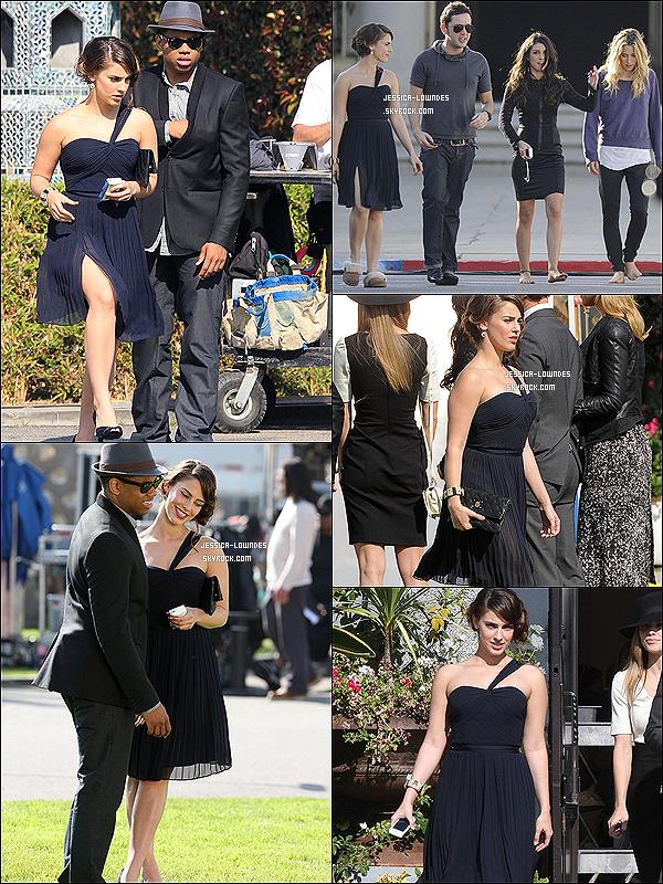 """. 02/02/12 : Le  lendemain, Jess' a été vu avec de la """"bouffe"""" toujours sur le tournage de la série 90210. 01/02/12 : J. ainsi que Tristan Wilds, Gillian Zinser & Shenae Grimes ont été vues sur le set de 90210.."""