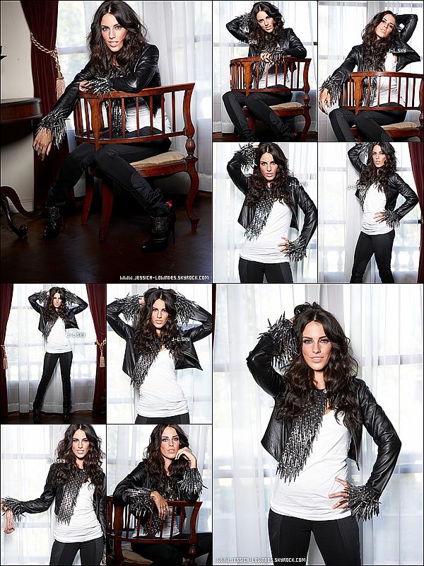 """. Jessica Lowndes pose pour le magasine """"Life & Style"""" en 2009          (1érè partie).."""