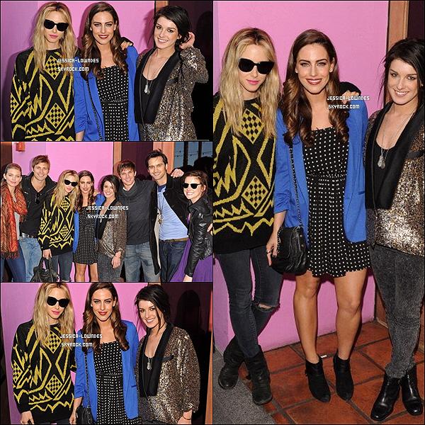 18/03/12 : Jessy était avec ses amis/co-stars de  90210 pour fêter la saison 4 de la série à Pink Taco.
